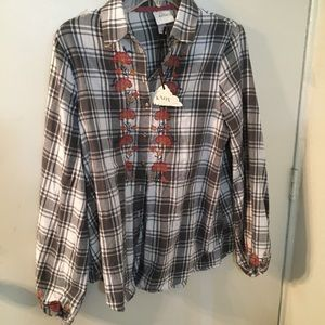🎊🎊🎊 Knox Rose flannel long sleeve - NWT
